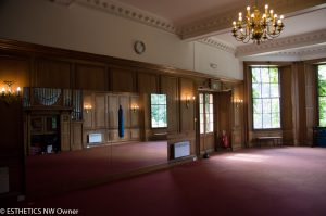Yoga and Pilates in the former ballroom