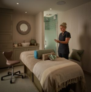 Each SpaShell treatment room has an en-suite shower and can be opened to create a couple's duo
